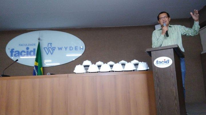 Presidente Ulisses Filho participa da Cerimônia da Entrega dos Capacetes