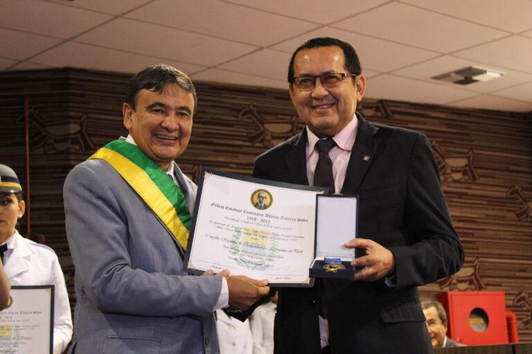 Crea-PI recebe Medalha Centenário Alberto Silva