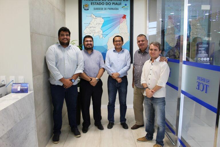 O Presidente do Crea-PI visita o TCE, em Parnaíba, para alertar sobre a importância de profissionais qualificados nas prefeituras