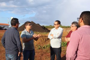 Presidente do Crea-PI e Comissão do 10º CEP visitam projeto de CTR em Parnaíba