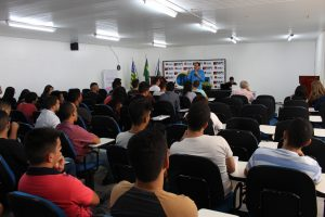 Crea-PI realiza o Conversando com o presidente com os estudantes da Aespi/Fapi