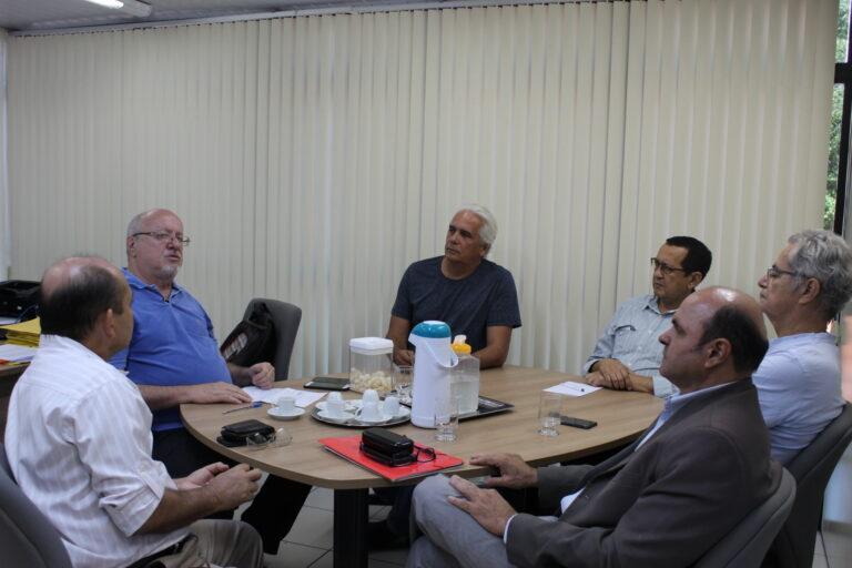 Presidente do Crea-PI recebe representantes de entidades para discutir o gerenciamento hídrico da bacia hidrográfica do Rio Parnaíba