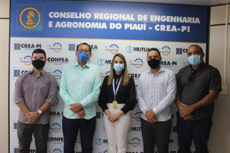 Cadastramento dos cursos de Engenharia é tema de reunião entre Crea-PI e Uninassau.