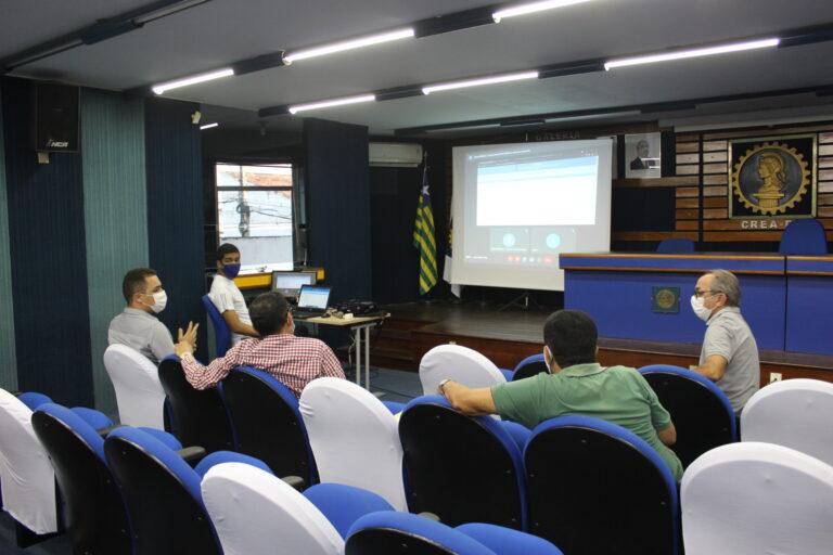 Novas ferramentas para o preenchimento do Receituário Agronômico são discutidas em reunião